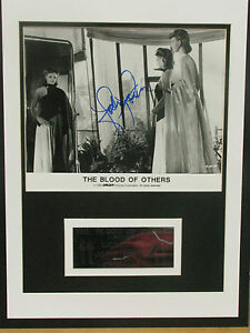 JODIE-FOSTER-ACTRESS-SIGNED-MOUNT-COA-FREE-P-P