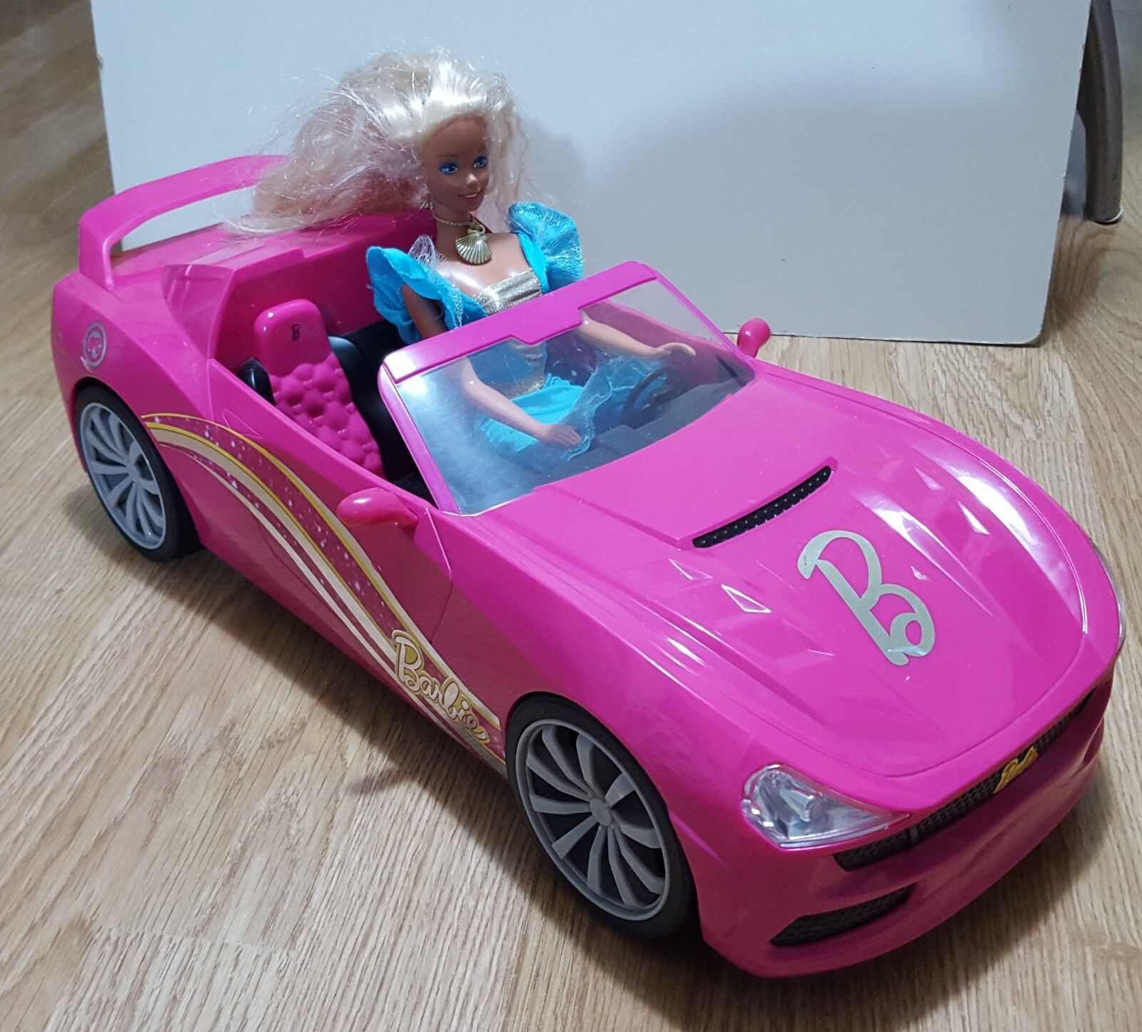 Barbie Dream Car Pink Congreenible With Doll n Clothes Radio NO Remote Control