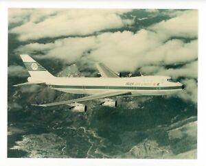 Photograph of Boeing 747 EI-ASI in Flight c.1971 Irish Aer Lingus