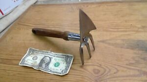 Vintage Metal Garden Hand Tool CLAW SPADE Unique old tool