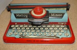 Mettoy-Minor-1950-s-Vintage-Typewriter-Tinplate-Manufactured-In-England