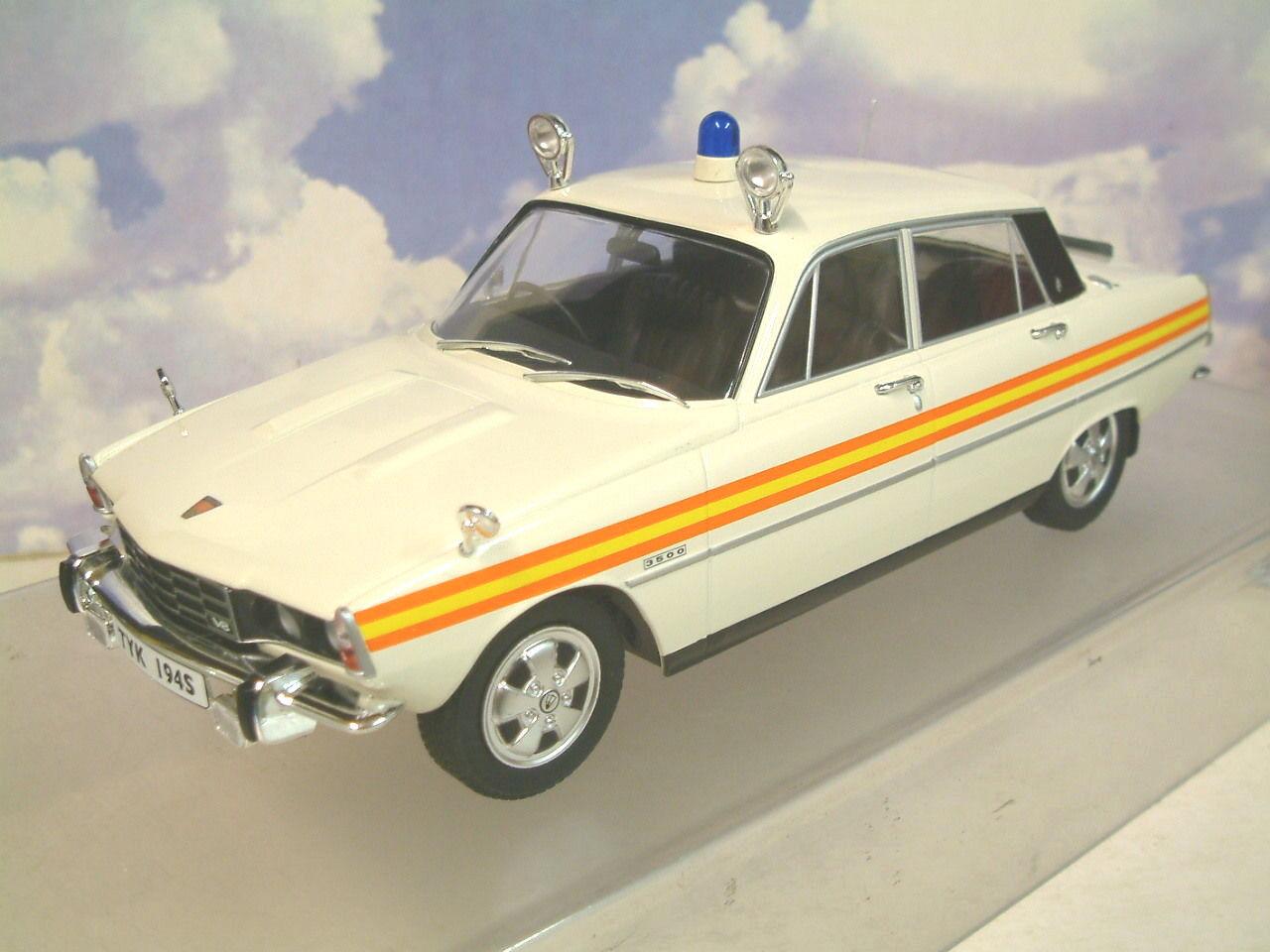 Tu MCG models 1  18 modele 1974 Rover p6b 3500 v8 UK POLICE voiture mcg18045  pas cher en ligne