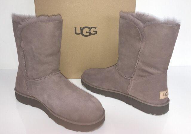 97cb3b72f3a UGG Australia 1016418 GY 11 CUff Classic Suede Short Sheepskin Boots Brey 11