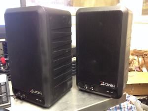 2 Azden Aps 25 Powered Speakers-afficher Le Titre D'origine