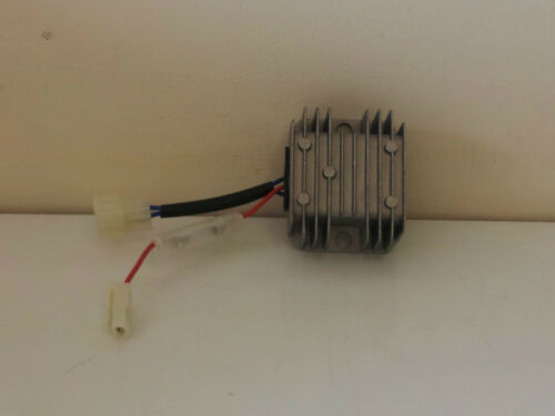 Yanmar L70 15 Amp Regulator 3 Wire Type