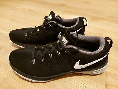 Nike Schuhe Punkte
