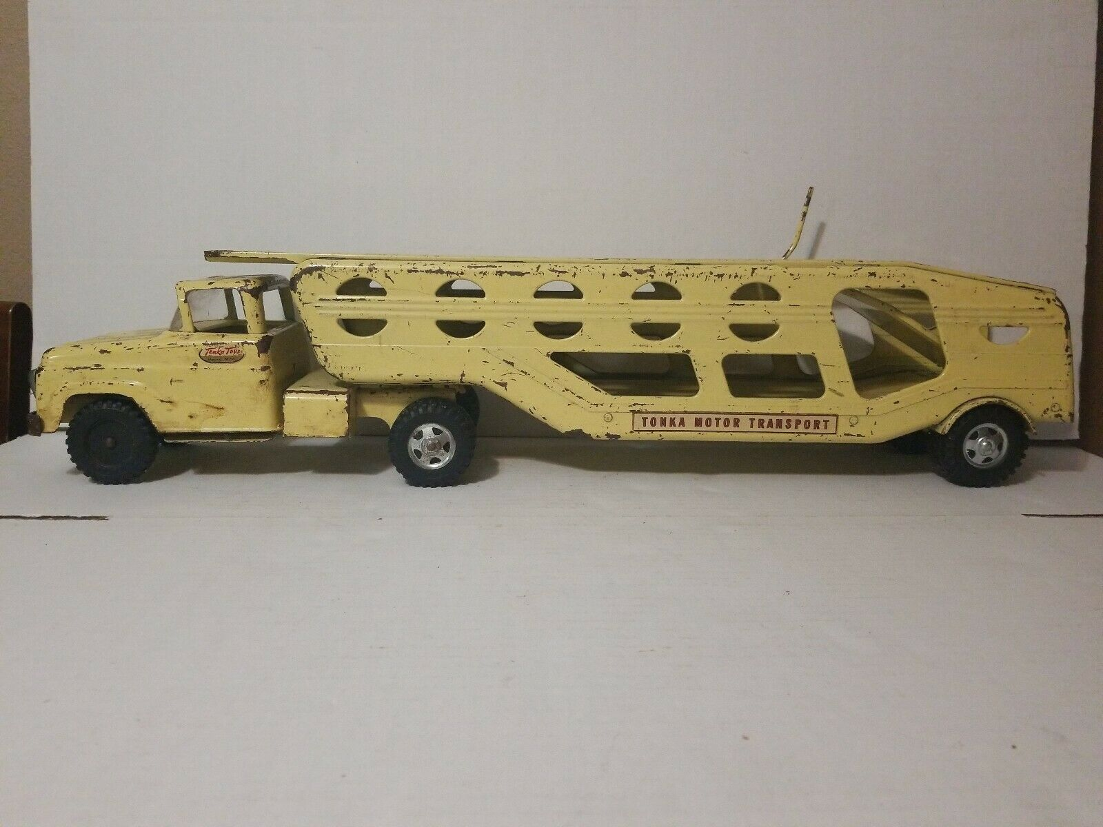 1958-1961 TONKA CAR CARRIER HAULER PALE Gelb VINTAGE PRESSED STEEL TOY