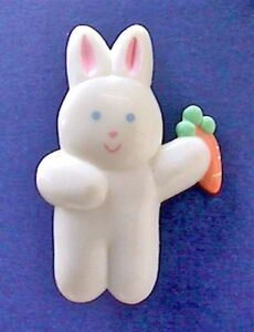 Hallmark-PIN-Easter-Vintage-BUNNY-RABBIT-Carrot-Chubby-White-Baby-Holiday-Brooch