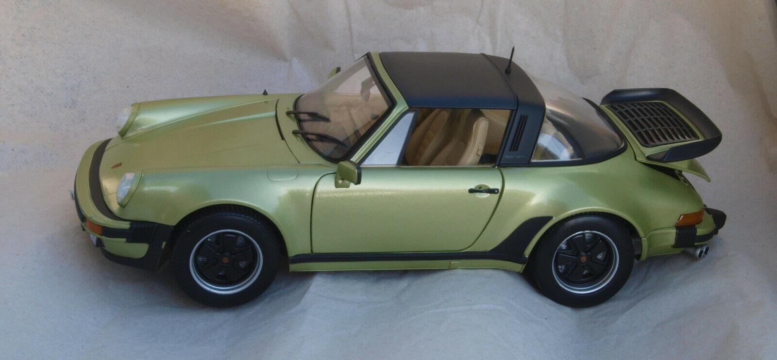 Porsche 911 turbo 3.3L lindgrün, NOREV 1 18