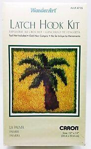 Latch-Hook-Palm-Tree-Kit-12x12-Pillow-New-WonderArt-4710-La-Palma