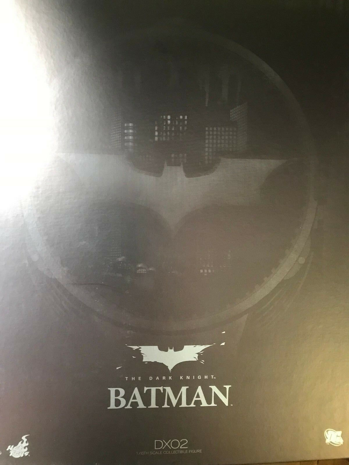 Hot toys Batman DX-02 1:6 Collectible Figure BNIB MINT USA Awesome Collectible