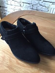 Details about New Ladies Womens Clarks Suede Ankle Boots Size UK 6 Eur 39.5 Black Mesial Daisy