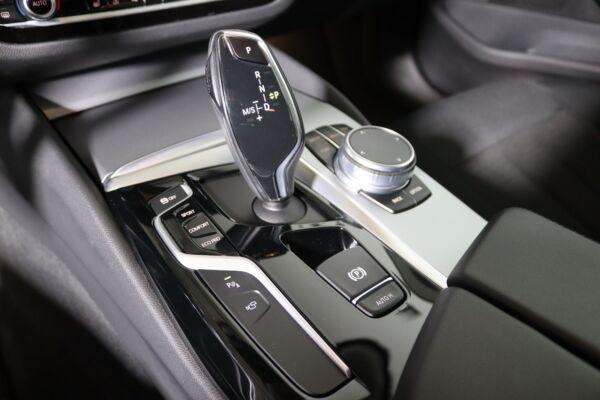 BMW 520d 2,0 Touring aut. billede 14