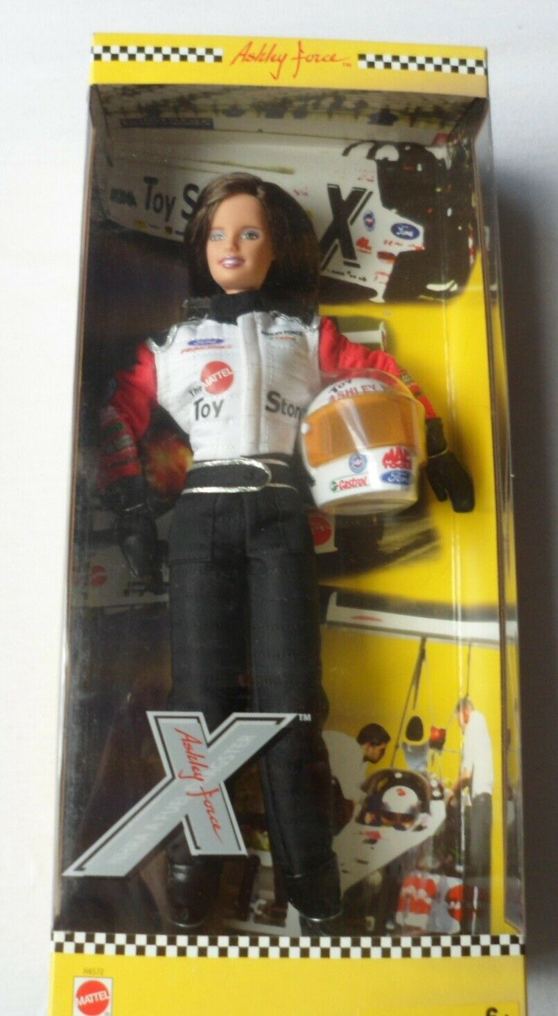 ASHLEY FORCE NHRA A FUEL DRAGSTER TOY STORE DOLL BY MATTEL - BARBIE Größe