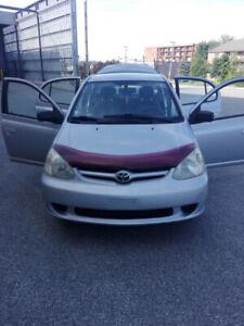 Toyota Eco 2005  a vendre tel quelle