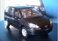 Peugeot 807 - 2002 - Gris Aster - Norev