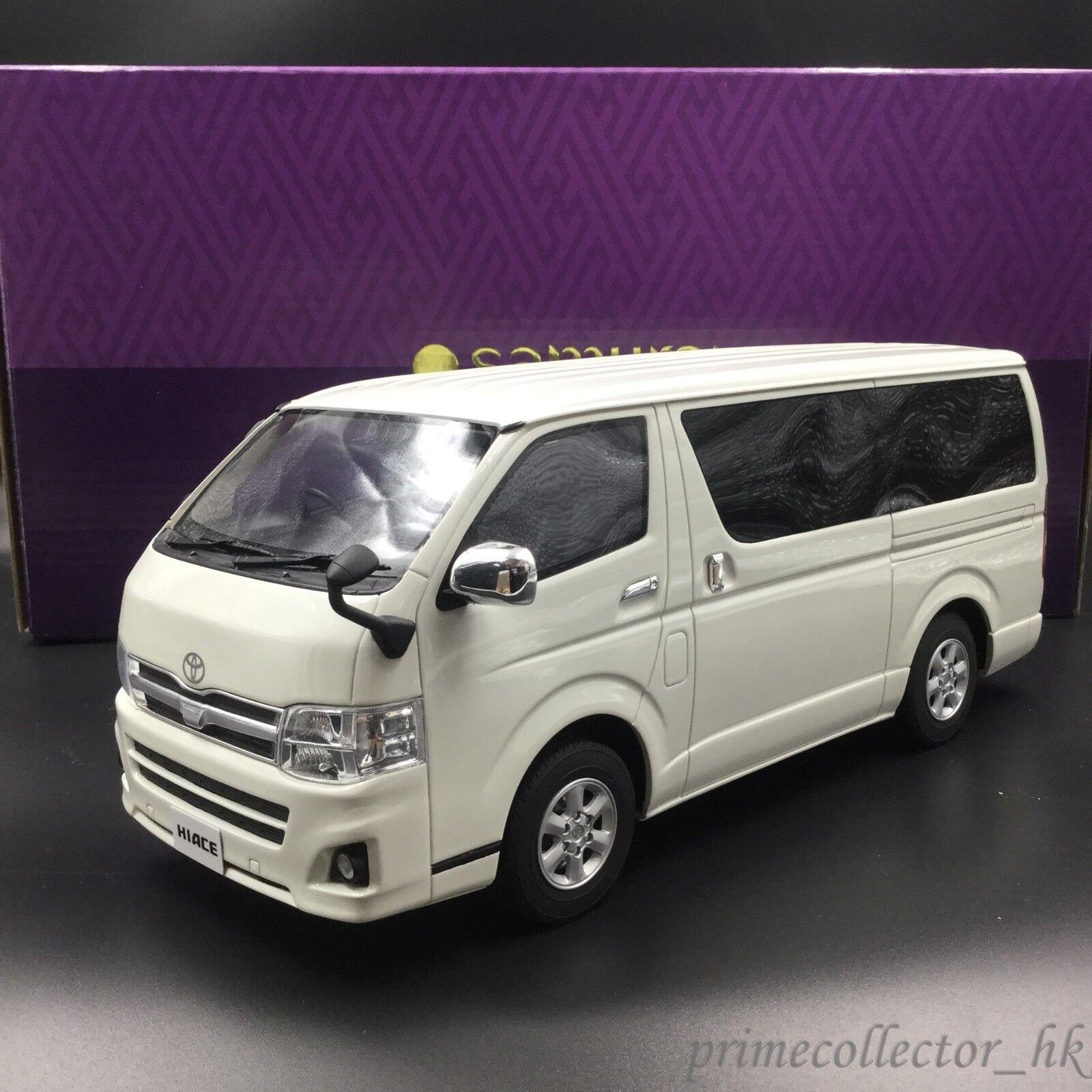 Kyosho Samurai 1 18 Toyota HIACE Super GL White KSR18003W