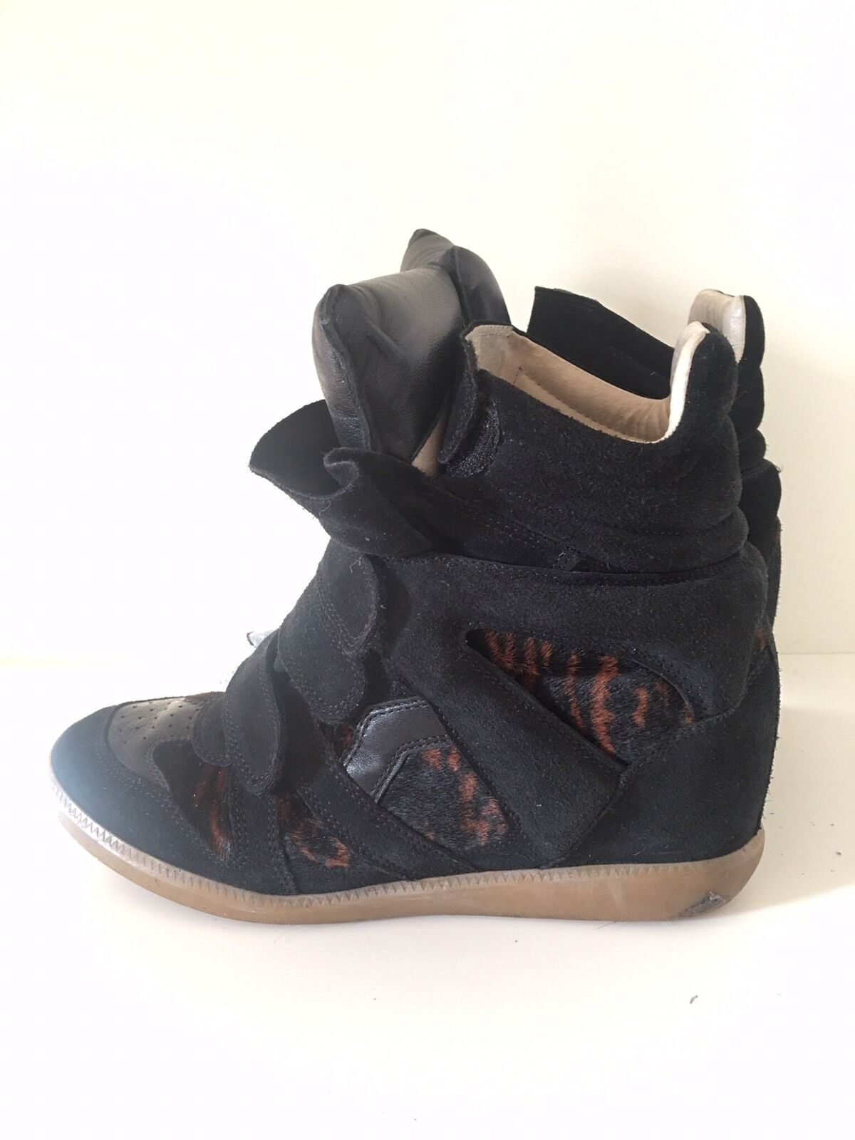 Isabel Marant Admits The Sneaker Wedge Is Over See Her New SleekerStyle Isabel Marant Admits The Sneaker Wedge Is Over See Her New SleekerStyle new picture