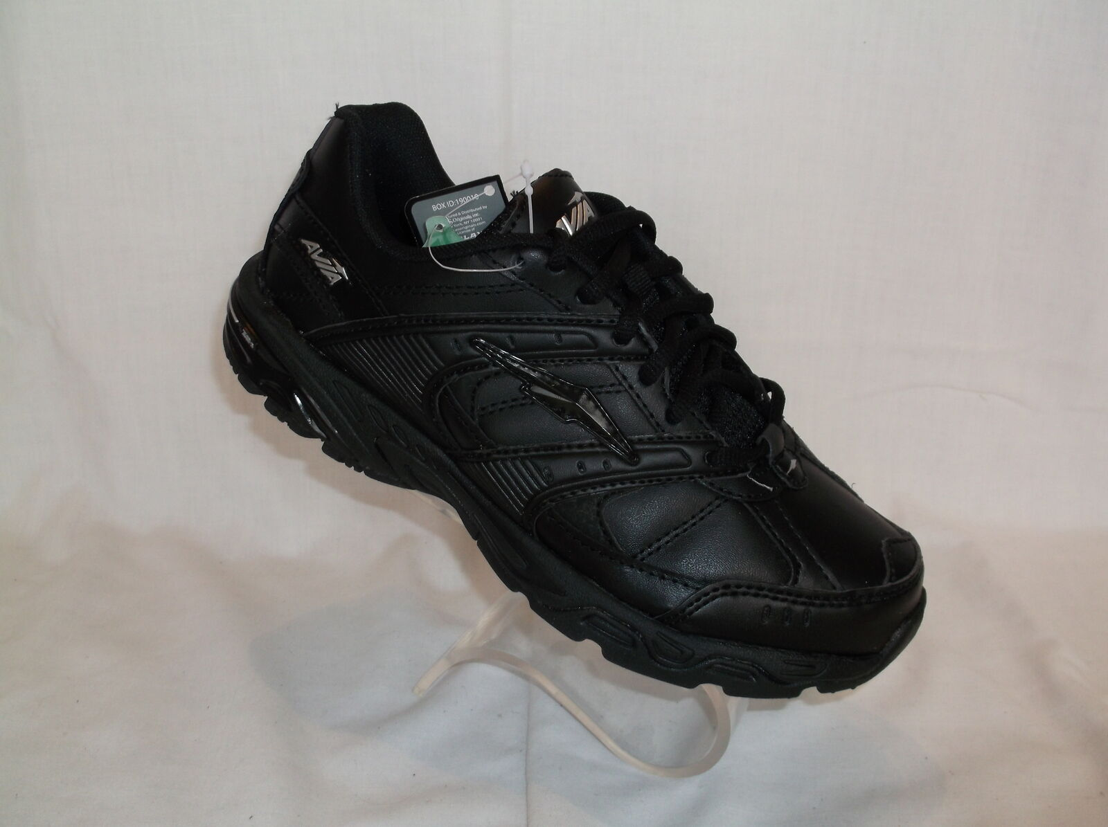 AVIA (TAYLOR) BLACK LEATHER IN WOMENS ATHLETIC SHOE  NEW IN LEATHER BOX 3a4c08