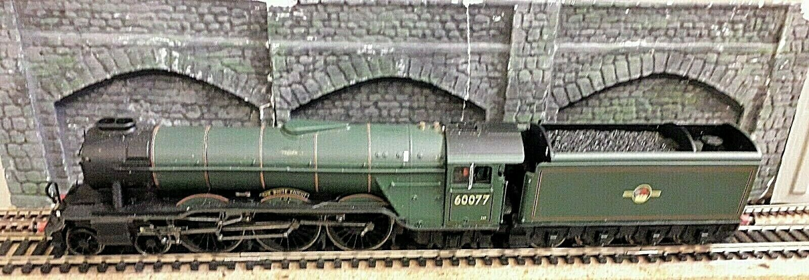 Hornby R2342 BR 4-6-2 Class A3 Loco blanco Knight DCC Fitted Boxed