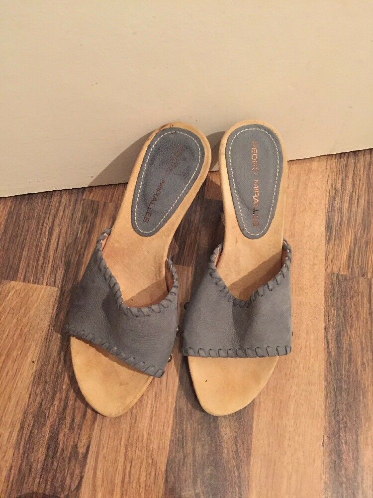 Gorgeous bluee Suede Pedro Miralles Slip On shoes Size 5