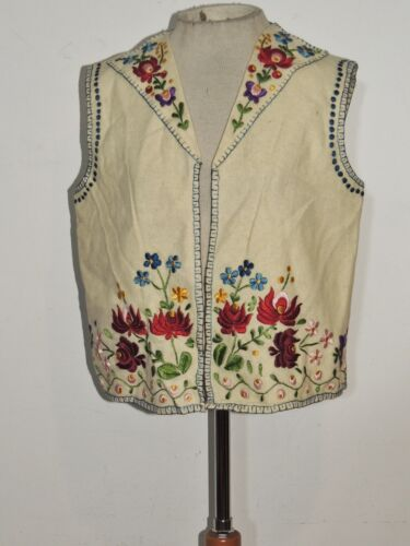 1920's - 1930's Hungarian Hand Embroidered Wool Ve