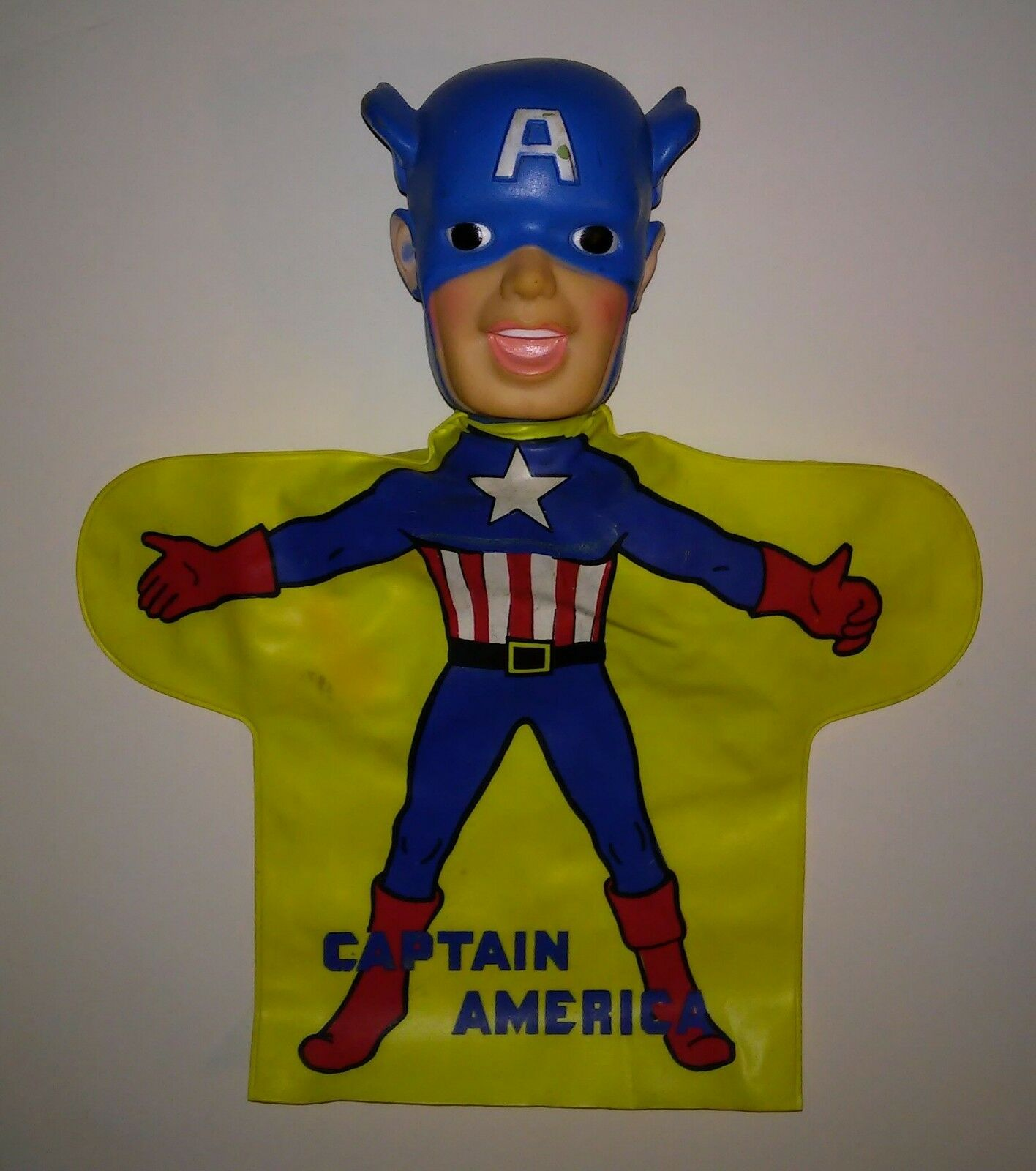 Captain America nice Hand puppet 60's era vinyl plastic hand puppet super hero