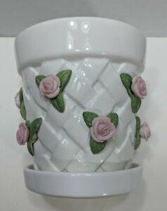 Teleflora-Floral-Ceramic-Gift-Basket-Design-With-Roses-Woven-Design-5x5x4-B7
