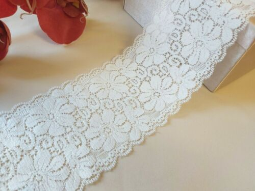 9cm Soft Stretch Ivory Floral Scalloped Lace Trim 90mm