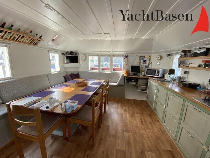 Husbåd Motorkatamaran bygget som helårsbolig