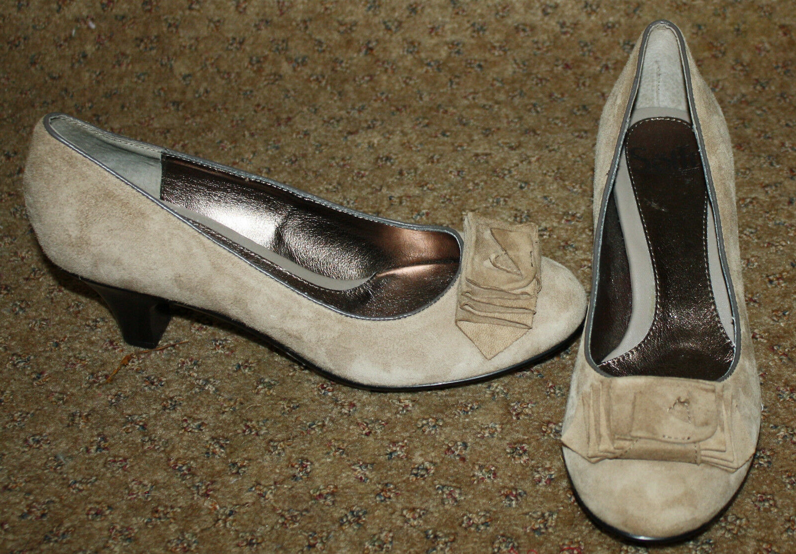 SOFFT Light Marroneee Suede Leather Pumps Bow Detail 7.M NWOB