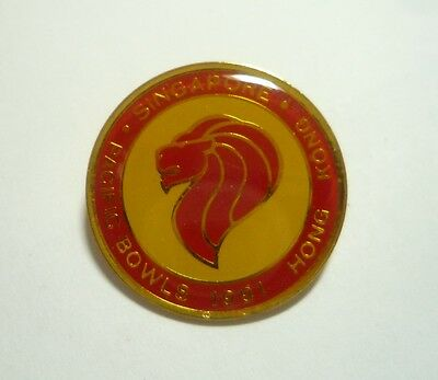 PACIFIC BOWLS CHAMPIONSHIPS 1993 Canada Lawn Bowls SINGAPORE Enamel Badge