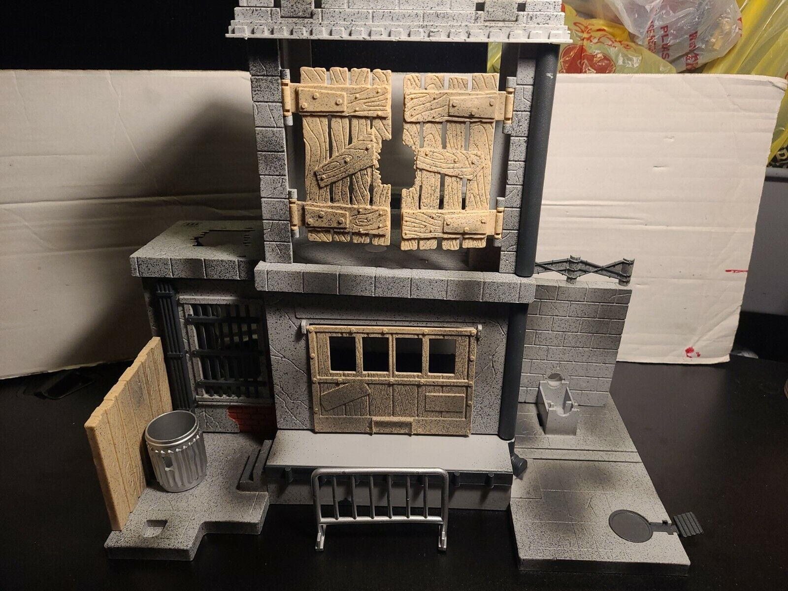 SPAWN ALLEY ACTION PLAY SET MCFARLANE TOYS INCOMPLETE PLAYSET  on eBay thumbnail