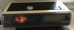 Rare Vintage Capehart Flip Clock Alarm AM-FM Stereo Radio Model CR-100 Yellowed