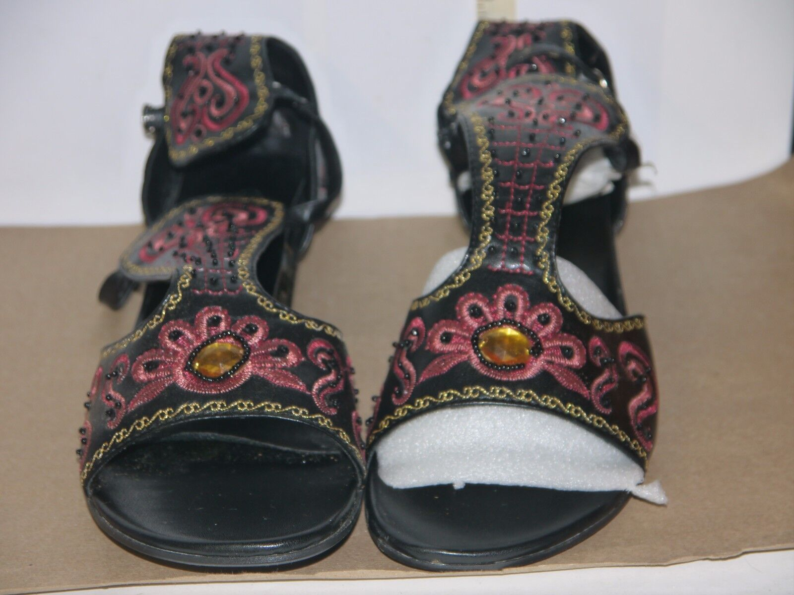Destiny Woman's & Black Leather Sandal Size 11 Low Heel/Pink & Woman's Gold Appliques NIB b278b0