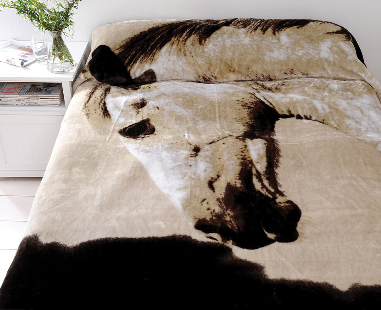 Dapple Horse Animal Mink Blanket   Just Home Quality Plush Mink Blanket   Queen