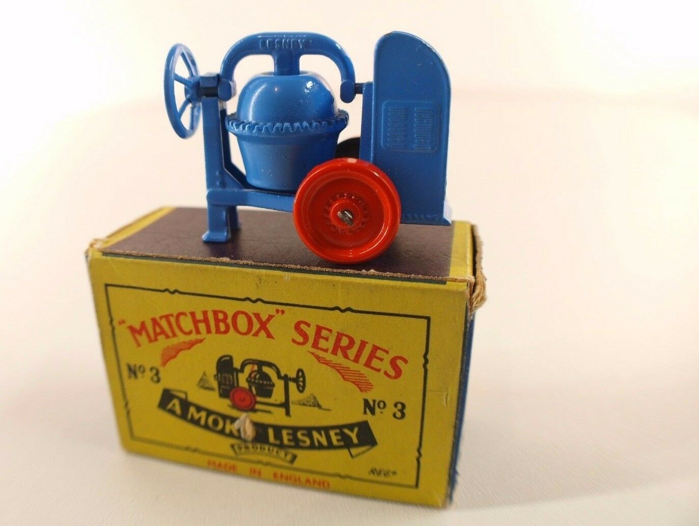 Matchbox Serie N º 3 Cement Mixer Mezclador Concreto en Caja Casi Mint en Box