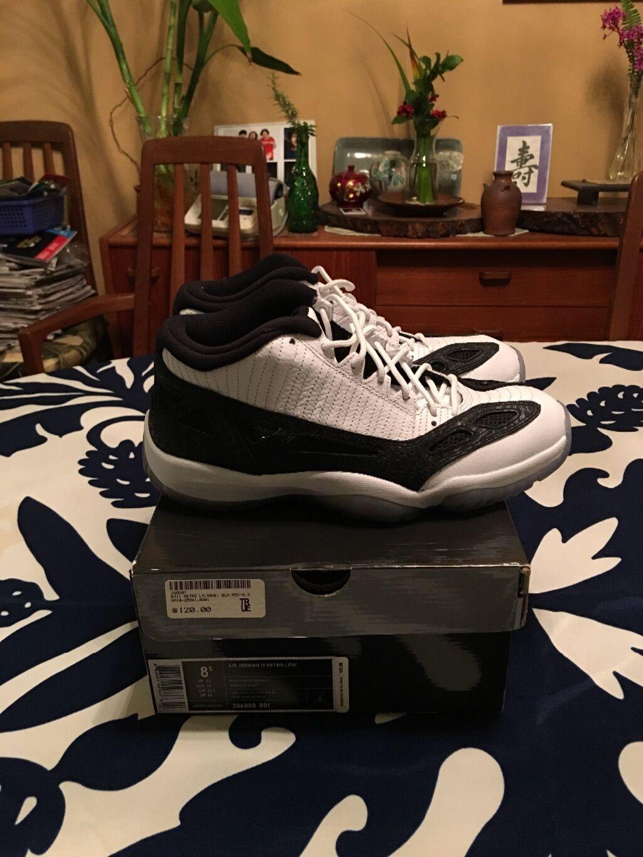Air Jordan 11 Retro Low Size 8.5