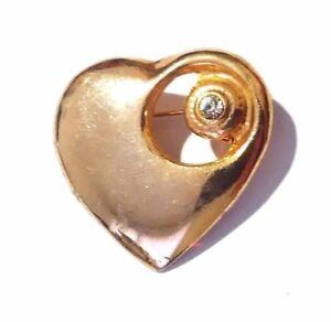 Brooch-Metal-Heart-Rhinestone-Vintage-Gold-Tone-Pin-Clear-Rhinestones-Jewelry