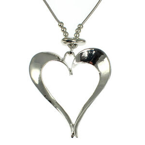 Lagenlook-silver-colour-large-heart-pendant-on-a-long-fitting-chain-necklace