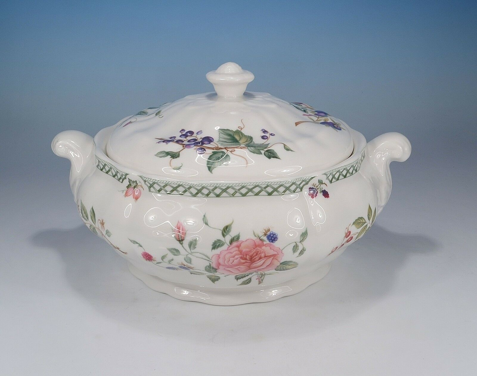 Royal Doulton   Victorian Garden   Dish with Lid