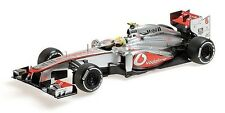 Minichamps 1:18 Vodafone McLaren Mercedes MP4-28,  F1 GP 2013 Sergio Perez