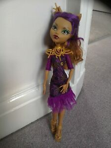Clawdeen Wolf - Frights camera action! (black carpet