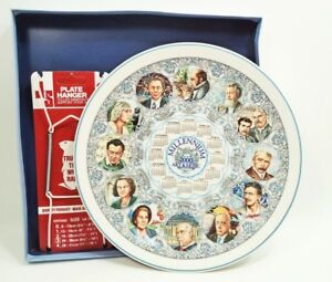 Mint-in-Box-Wedgwood-Calendar-10-034-Plate-2000-w-Free-Hanger-Art-amp-Music-England