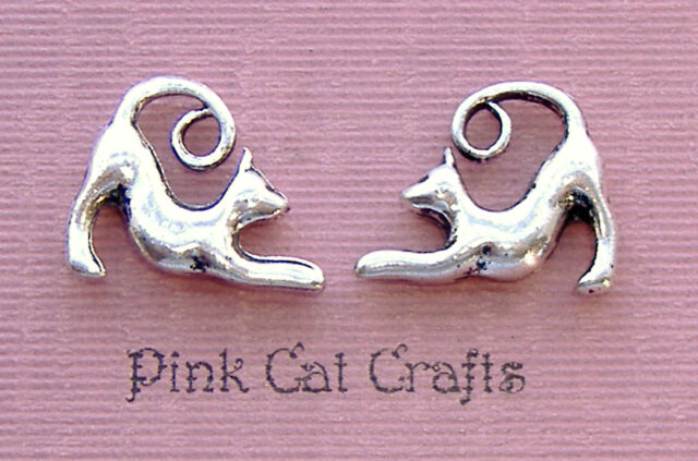10 STRETCHING CAT FELINE Tibetan Silver 3D Charms Pendants Beads