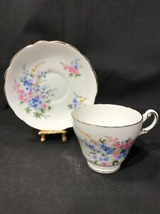 Regency-English-Tea-Cup-and-Saucer-Gold-Trim-English-Bone-China-Made-in-England