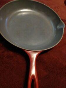 Le Creuset 26 Red Enameled Cast Iron 10.5 Skillet Fry Pan double pour spout.