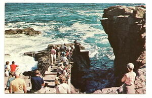 BAR-HARBOR-ME-People-Thunder-Hole-Vtg-1973-Postcard