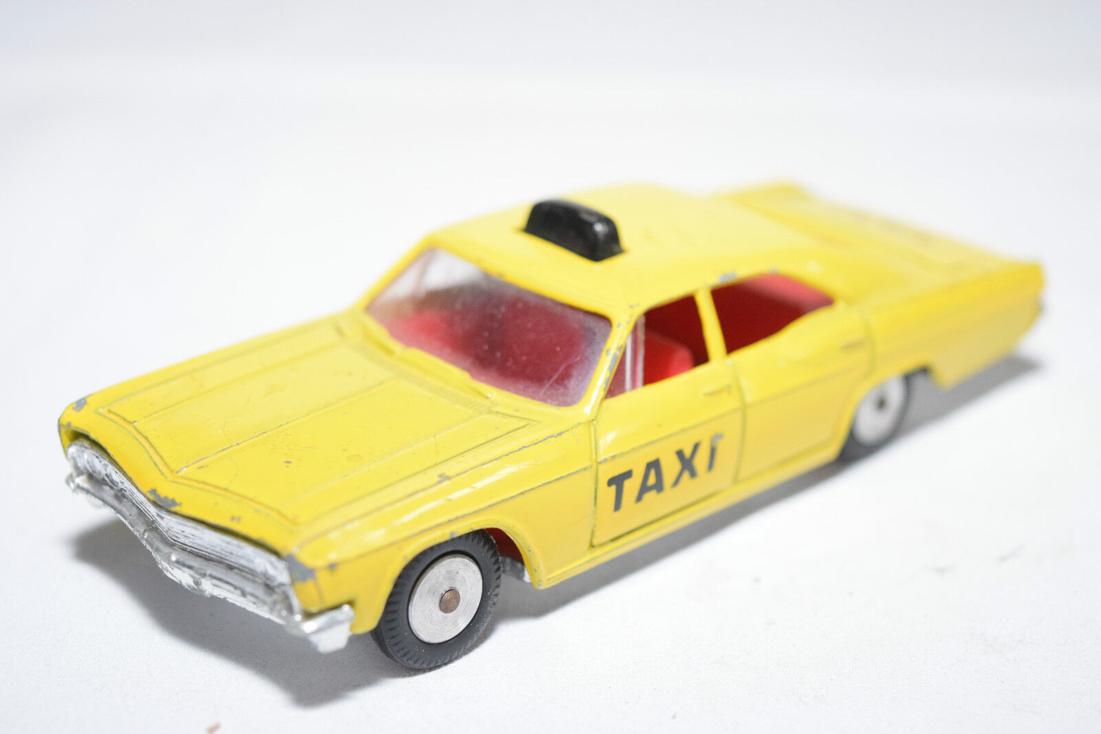 SABRA GAMDAKOOR 8116 CHEVROLET TAXI YELLOW EXCELLENT CONDITION