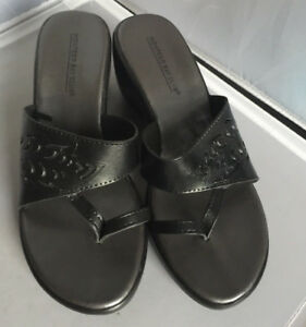 f64bd3131 Montego Bay Club Black wedge sandals ~ Size 7.5 Excellent Condition ...